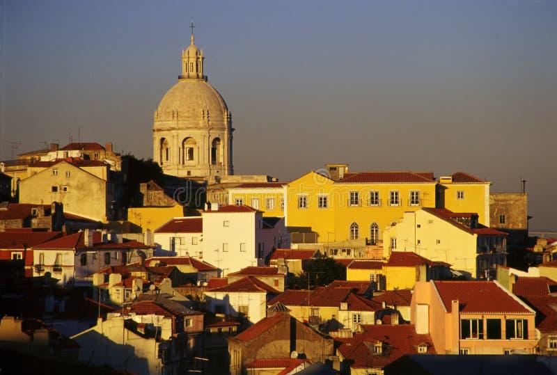 Download Lisboa horisont arkivfoto. Bild av solnedgång, kupol, varmt - 275040