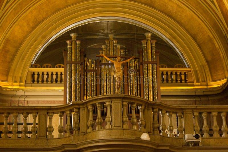 Lisboa, Portugal: órgão e coro da igreja do NIO do ³ de Santo Antà fotografia de stock