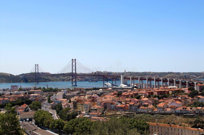 Lisboa, Portugal, 2ö da ponte de abril fotos de stock