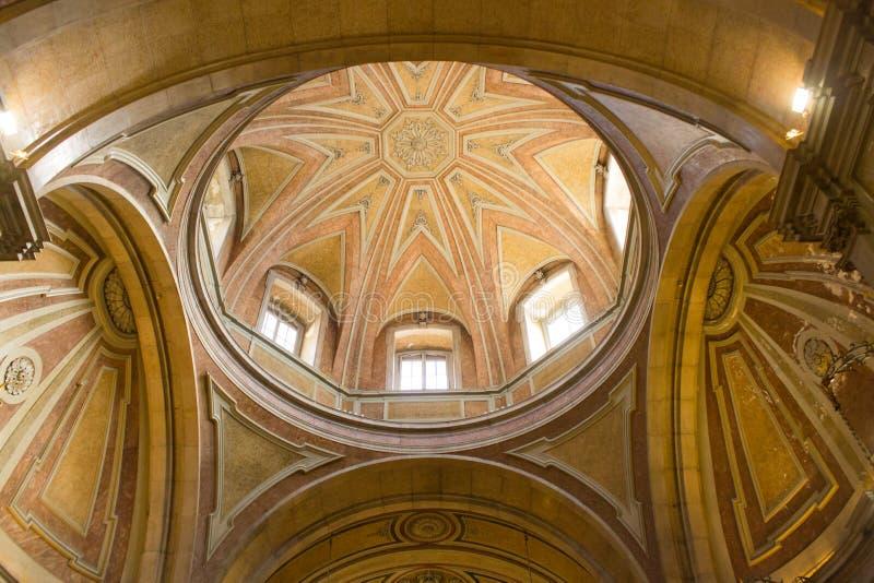 Lisboa, Portugal: a abóbada da igreja do NIO do ³ de Santo Antà imagem de stock royalty free