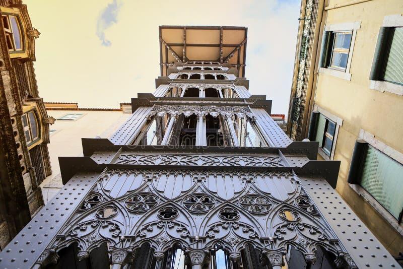 LISBOA, PORTUGAL - 12 de dezembro de 2018 Opinião Santa Justa Lift Elevador de Santa Justa foto de stock royalty free