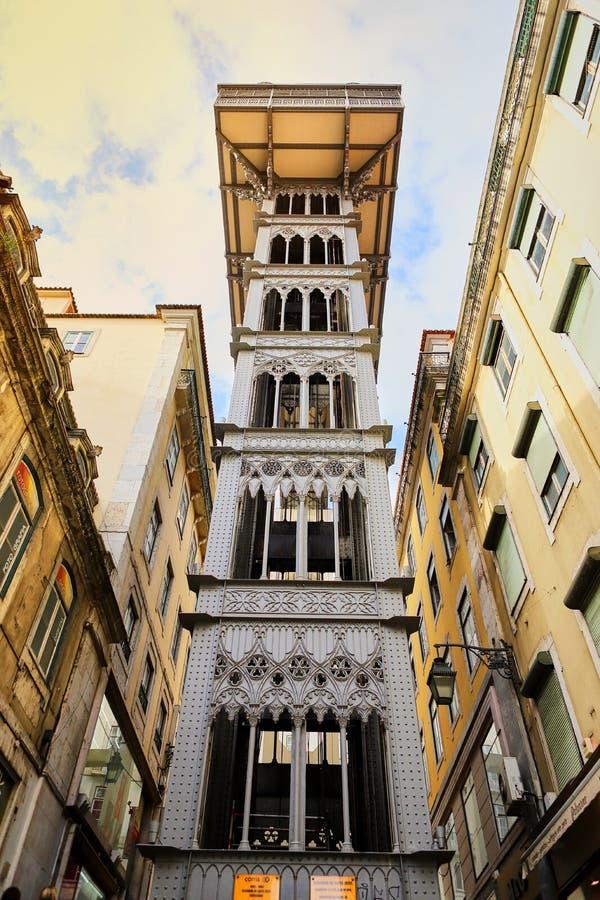 LISBOA, PORTUGAL - 12 de dezembro de 2018 Opinião Santa Justa Lift Elevador de Santa Justa imagem de stock royalty free