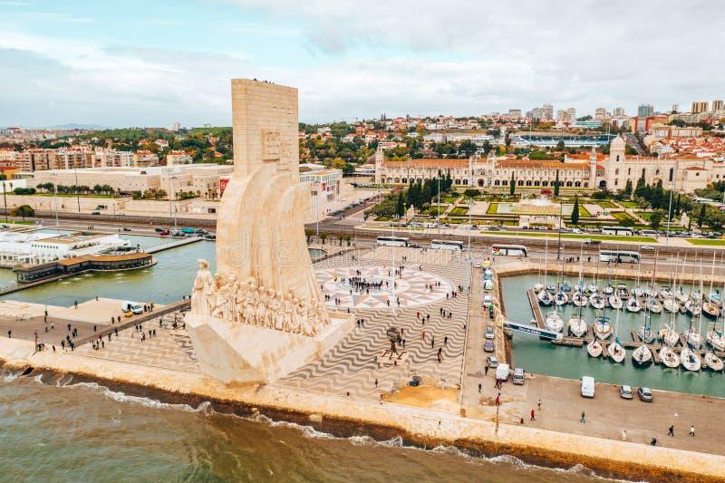 Lisboa, Portugal - 27 de junio de 2018: Vista aérea del monumento de los descubrimientos fotografía de archivo