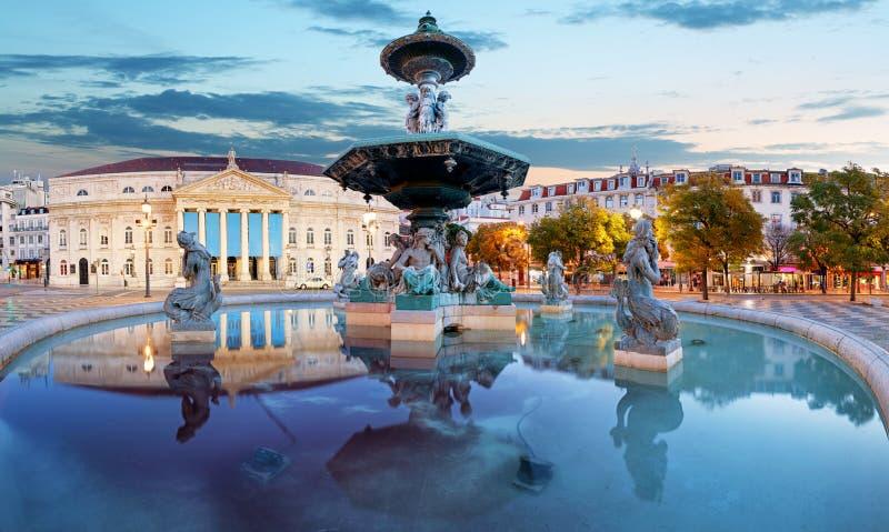 Lisboa, Portugal en el cuadrado de Rossio imagenes de archivo