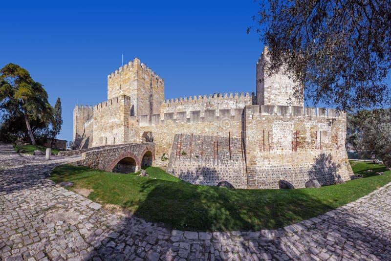 Lisboa, Portugal - santo George Castle de Castelo de Sao Jorge aka Entrada del Castelejo fotografía de archivo libre de regalías