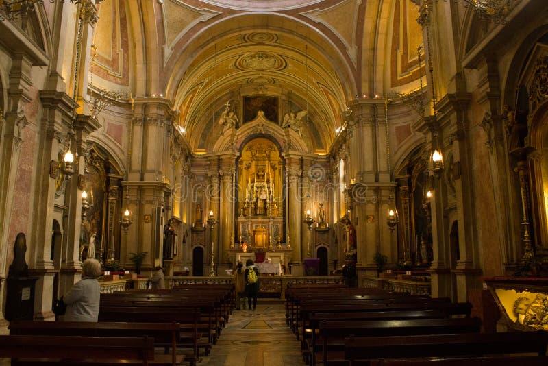 Lisboa Portugal; vista geral dentro da igreja do NIO do ³ de Santo Antà imagem de stock