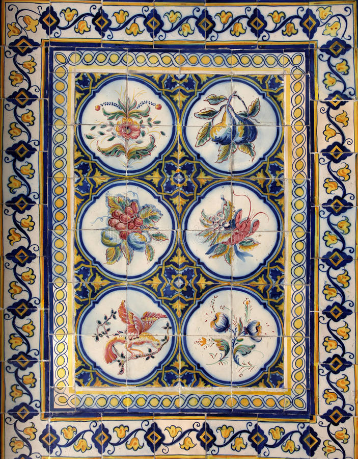 Free Lisbon Azulejos Royalty Free Stock Images - 23260389