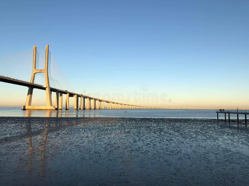 lisbon Portugalia 25 abril bridżowy de Wschód słońca fotografia stock