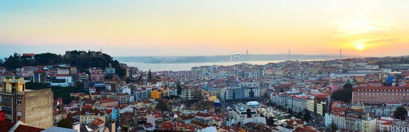 Download Lisbon Przegląd, Portugalia Zdjęcie Stock - Obraz złożonej z panoramiczny, city: 53782878
