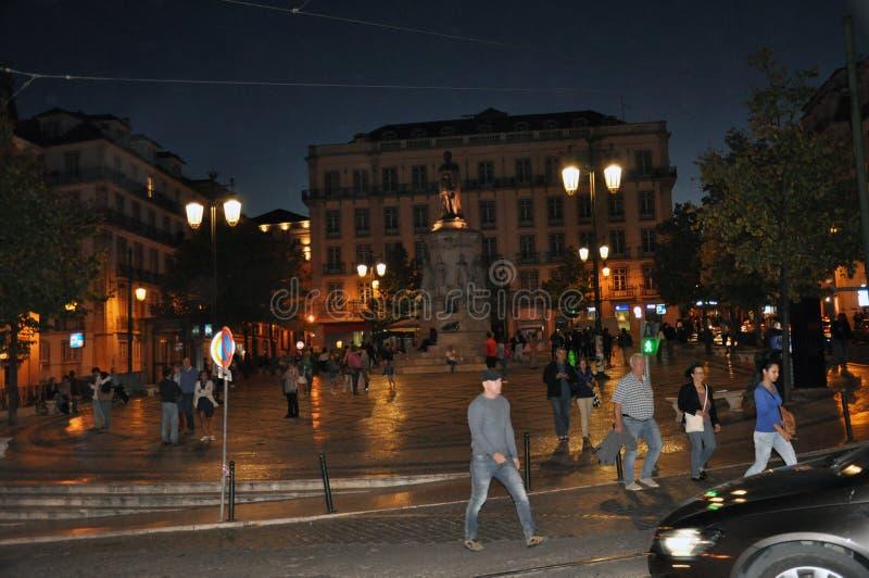 Lisbona Camoes alla notte fotografia stock libera da diritti