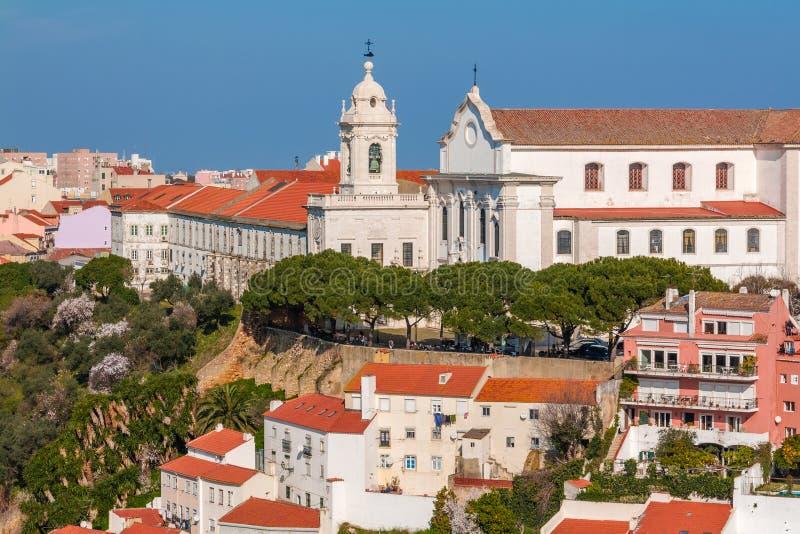Lisbona, Portogallo Graca Church e convento e Sophia de Mello Breyner Andresen Viewpoint fotografia stock libera da diritti