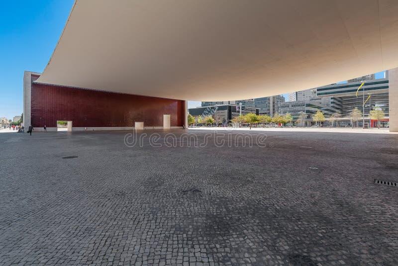 Lisbona, Portogallo: Plaza sotto il baldacchino di Pavilhao de Portogallo o padiglione portoghese fotografia stock libera da diritti