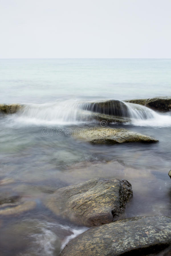 Download Lisci le onde immagine stock. Immagine di seascape, contesto - 30827835