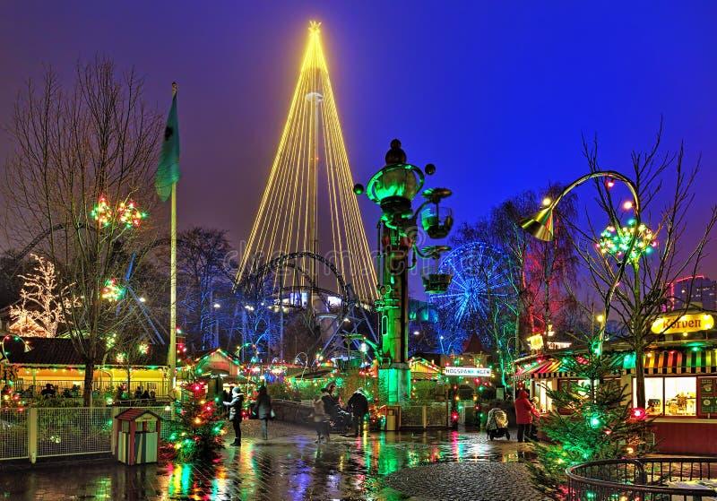 Liseberg有圣诞节照明的游乐园在哥特人,瑞典 库存照片