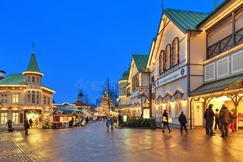 Liseberg有圣诞节装饰的游乐园在哥特人 库存照片