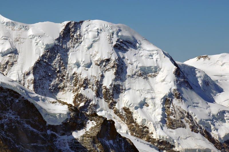 Download Liskamm imagen de archivo. Imagen de alpestre, nieve - 15502731