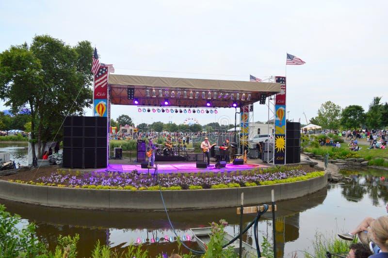 Lisle天空气球节日音乐会阶段 库存照片