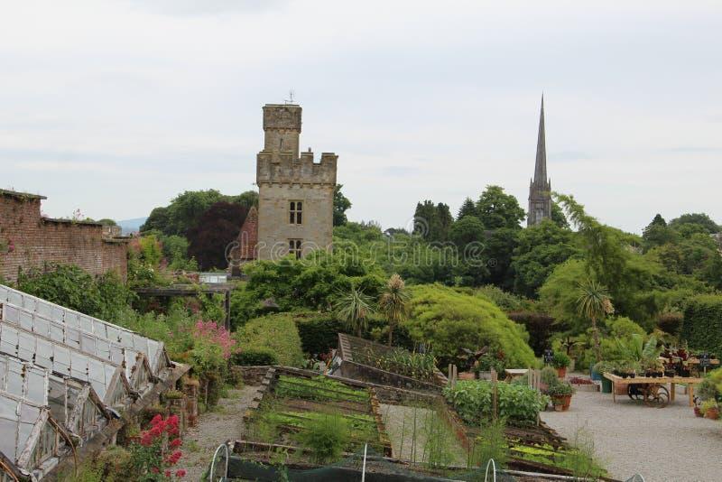 Lismore-Schloss vom Abstand und vom Garten Waterford Irland lizenzfreies stockfoto