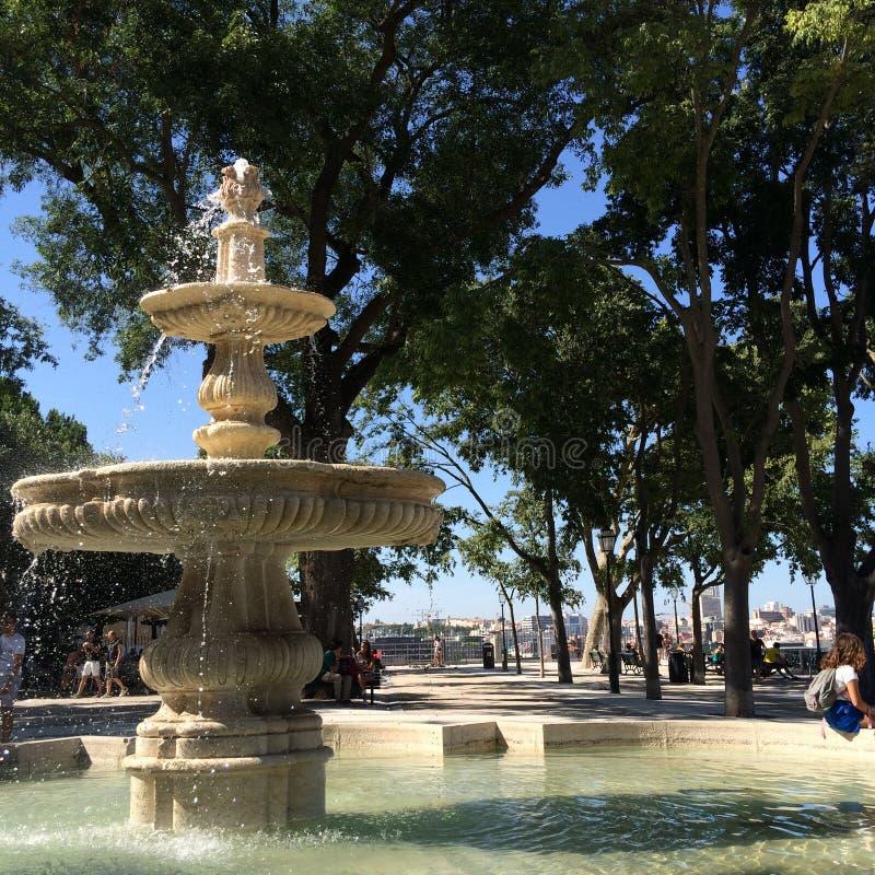 Lissabon-Brunnen lizenzfreies stockbild