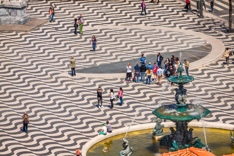 Lissabon Portugal-April 12,2015: cityscape på den Rossio fyrkanten royaltyfria foton