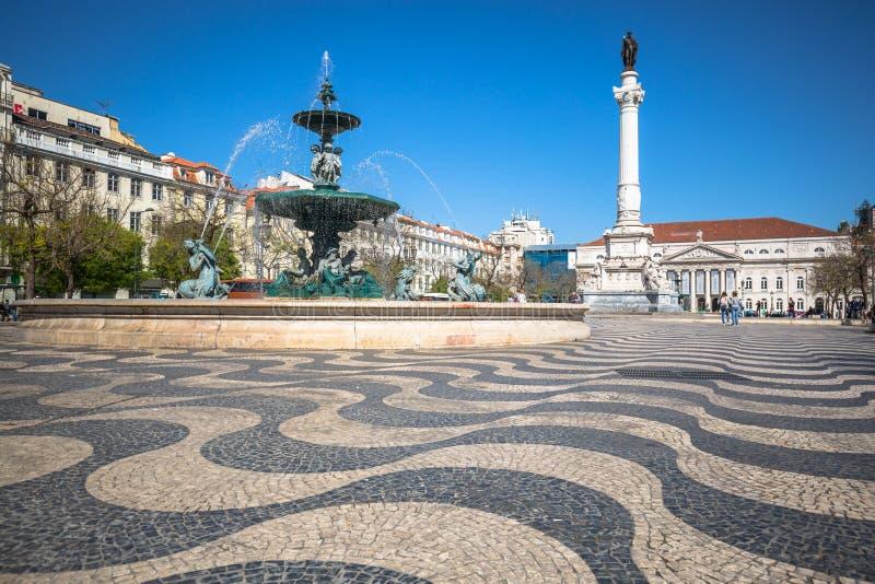 Lissabon Portugal cityscape på den Rossio fyrkanten royaltyfria bilder