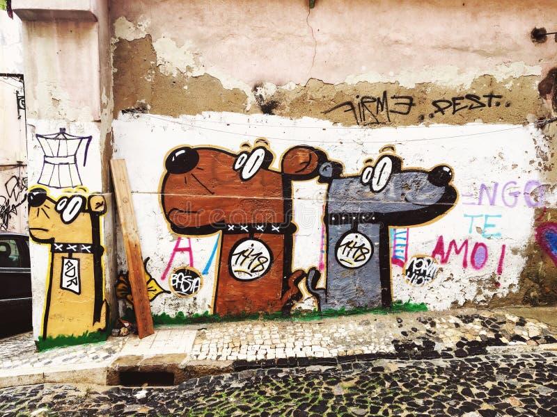 Lissabon Portugal - 04 December 2016: Gatakonst, grafitti på th royaltyfria foton