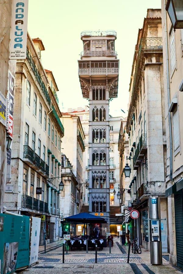 LISSABON PORTUGAL - December 12, 2018 Sikt av Santa Justa Lift Elevador de Santa Justa fotografering för bildbyråer