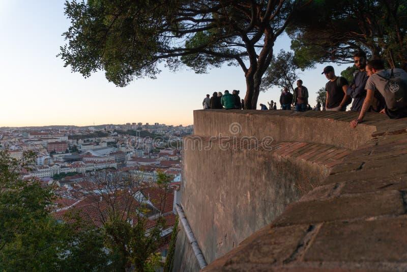 Lissabon Portugal - November 13,2017: Stadssikt från slotten de Sao Jorge i Lissabon, Portugal royaltyfria foton