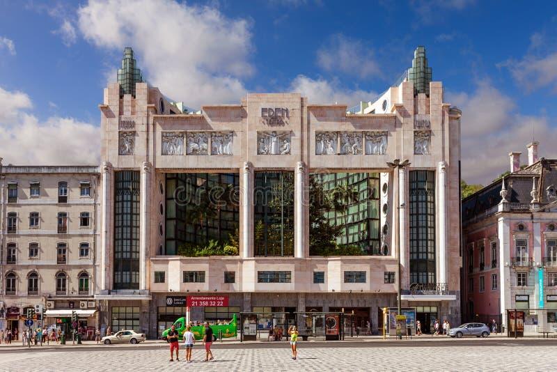 Lissabon, Portugal - 20 oktober 2019: Eden Hotel på Restauradores Square Tidigare biografer och teater med konsthändelement royaltyfri fotografi