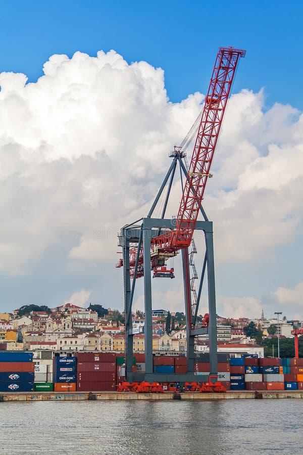 Lissabon Portugal: Porto de Lissabon eller internationell port av Lissabon royaltyfri foto