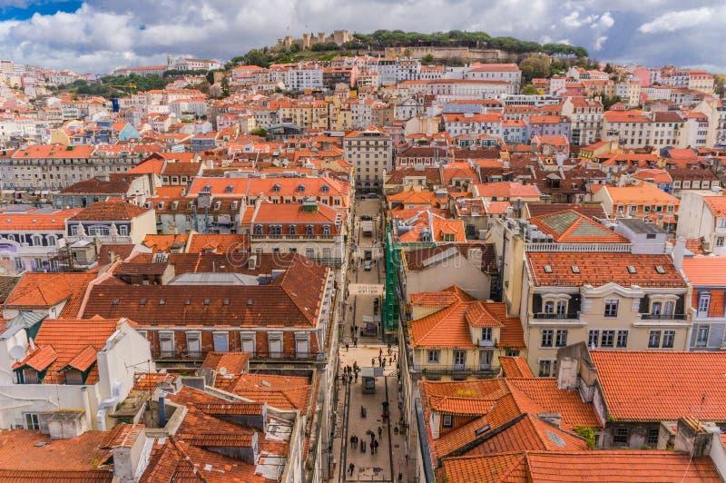 Lissabon Portugal stadshorisont över Santa Justa Rua royaltyfria bilder