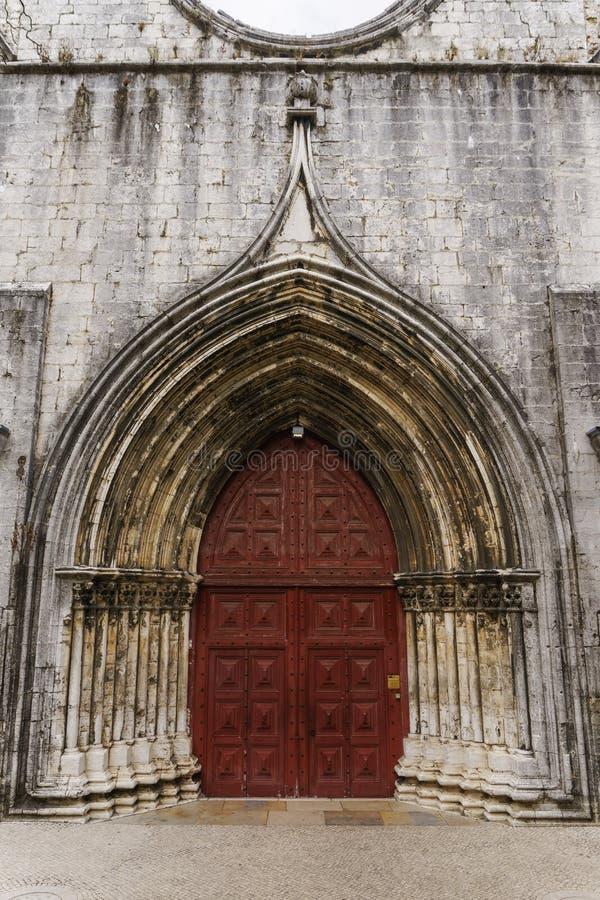 Lissabon Portugal yttre dagsikt av den Carmo kloster royaltyfri foto
