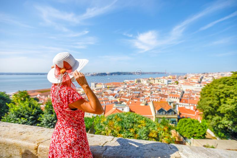 Lissabon-Schlossfrau lizenzfreie stockfotografie