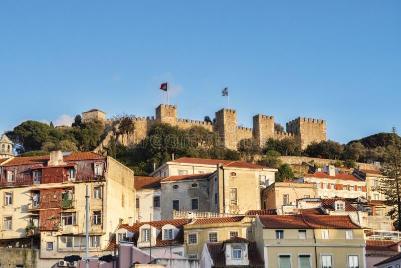 Lissabon slott p? solnedg?ngen royaltyfria foton