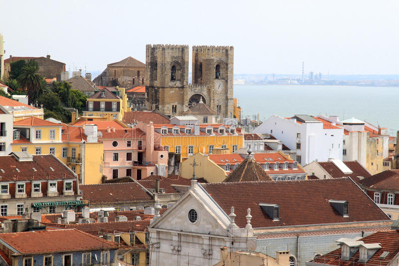 Lissabon Fluss lissabon und kathedrale entlang tagus fluss portugal stockfoto