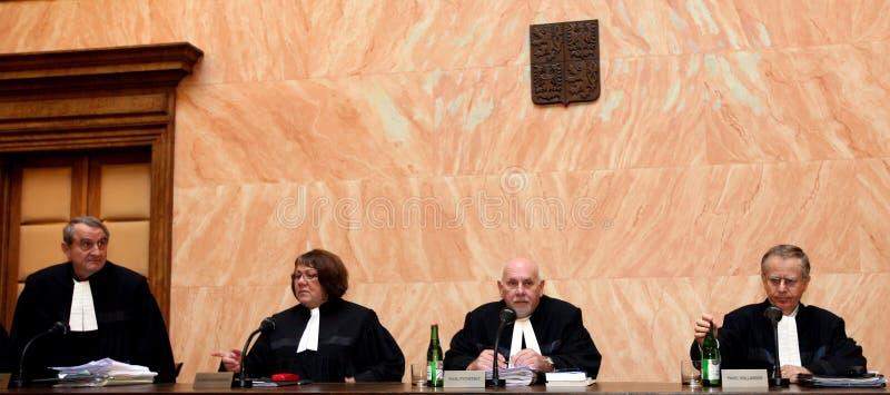 Lissabon-Vertrag auf tschechischem Bundesverfassungsgericht stockbilder