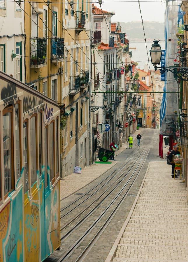 Lissabons Gloria bergbana i den Bairro alten - Lissabon fotografering för bildbyråer