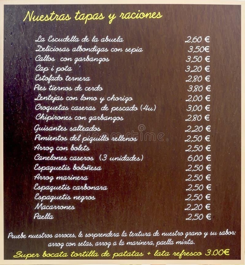 Lista av tapas i en stång i Barcelona arkivbilder