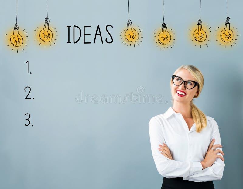 Lista da ideia com jovem mulher fotografia de stock