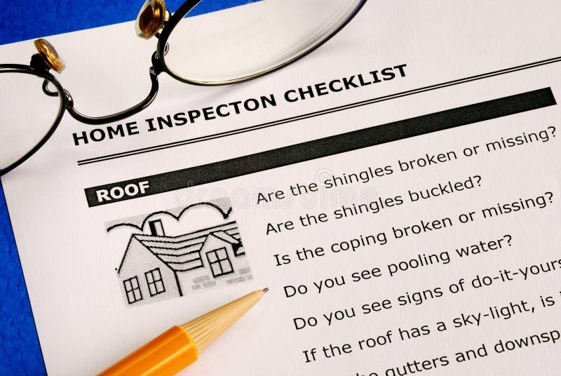 Lista de comprobación del examen del hogar de las propiedades inmobiliarias fotografía de archivo