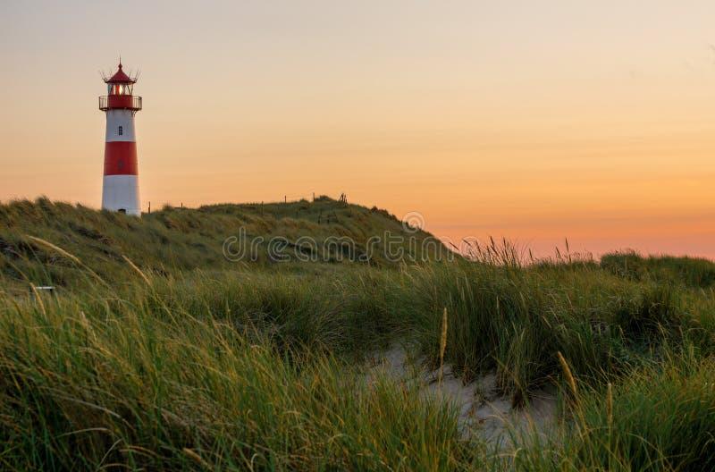 Lista-Ost do farol na ilha Sylt, Alemanha imagem de stock