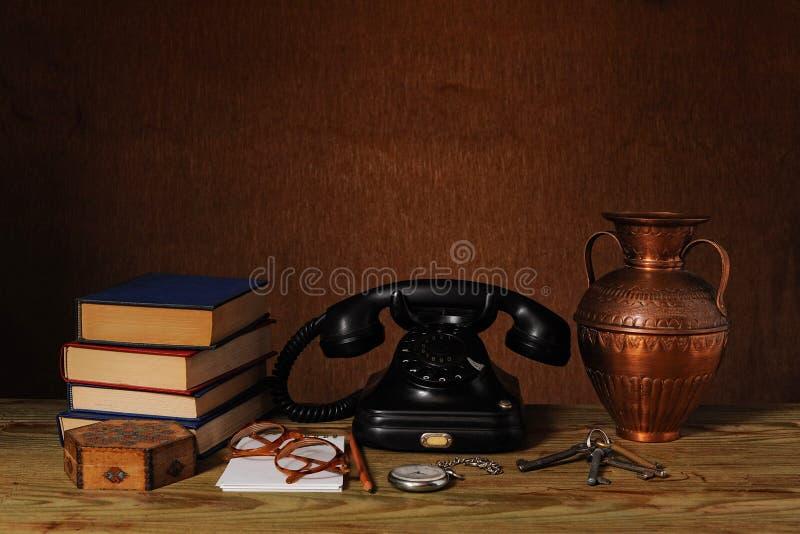Listines de teléfonos viejos imágenes de archivo libres de regalías