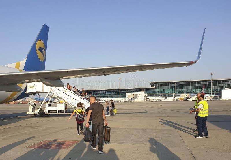 Listopad 7, Egipt Hurghada, samolot pokładowy Ukraina International Airlines fotografia royalty free