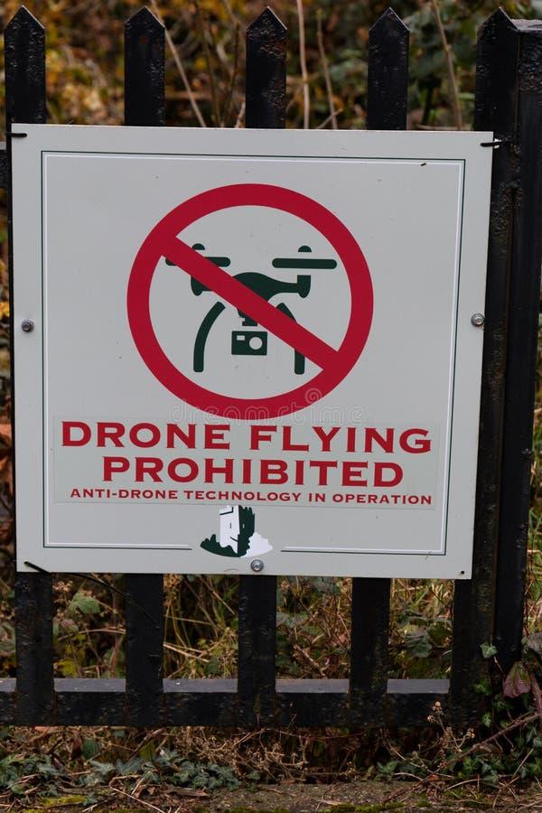 Listopad 17th, 2017, Blarney, Irlandia - Żadny trutnie pozwolić znaki przy Blarney Roszują obrazy royalty free