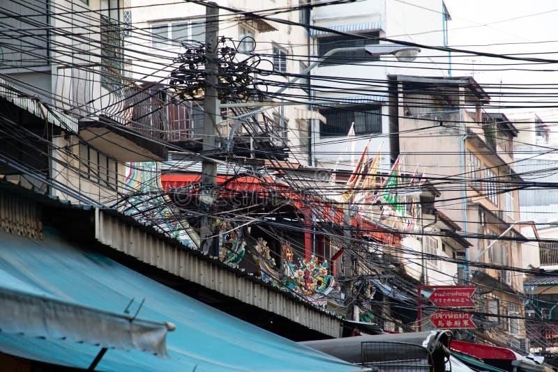 Listopad 20th, 2018 Uliczna kabel instalacja w Bangkok - Bangkok TAJLANDIA - obraz royalty free