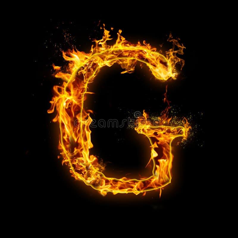 Listowy G Ogień płonie na czarnym odosobnionym tle royalty ilustracja