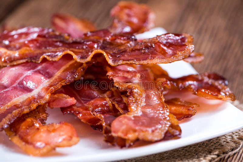 Listras do bacon (fritadas) fotografia de stock royalty free