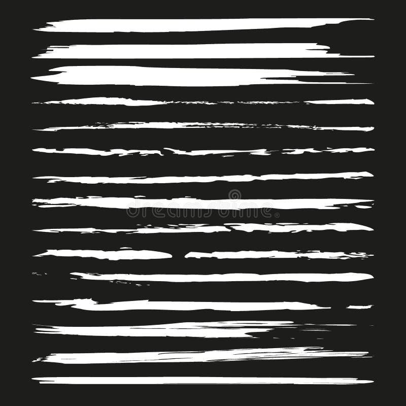 Listras pintadas do grunge ajustadas Etiquetas do preto, fundo, textura da pintura A escova afaga o vetor Elementos feitos a mão  ilustração royalty free