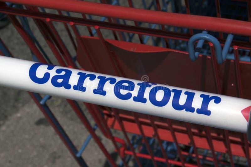 Listu Carrefour na wózek na zakupy fotografia stock