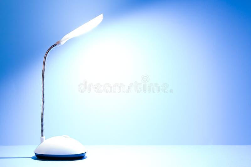 Lit-bureaulamp royalty-vrije stock foto